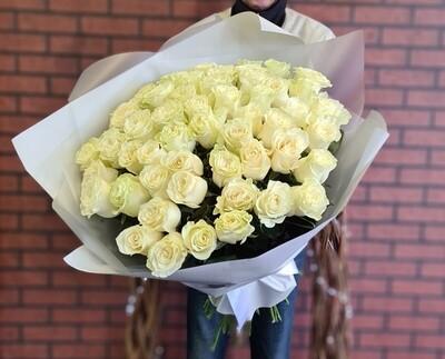 Букет из 51 белоснежной розы Мондиаль.