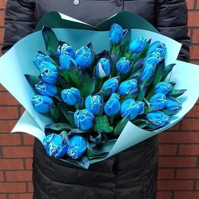 Букет из синих тюльпанов.