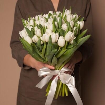 Букет белых тюльпанов.