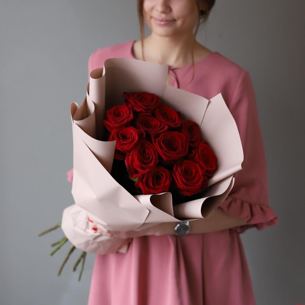 Букет красных роз в оформление