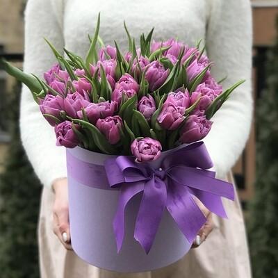 Коробка пионовидных тюльпанов