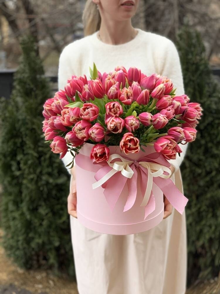 Коробка пионовидных тюльпанов Columbia