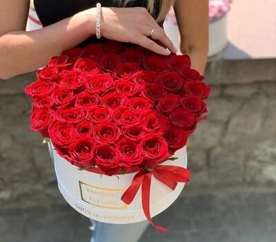 Роза в шляпной коробке Premium