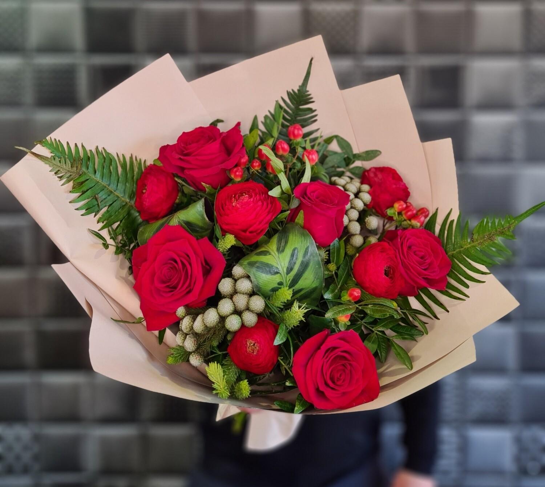 Букет цветов красный бархат.