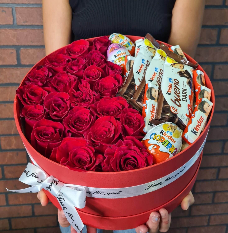 Коробка роз с KINDER
