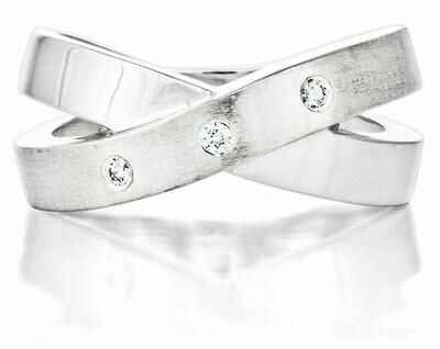 French Kiss—Silver/Diamond