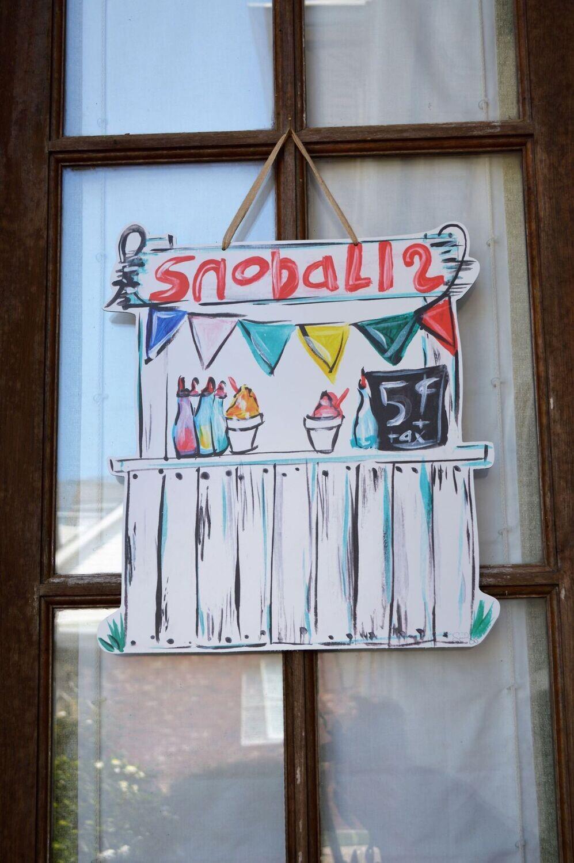 Snowball Stand Door Hanger
