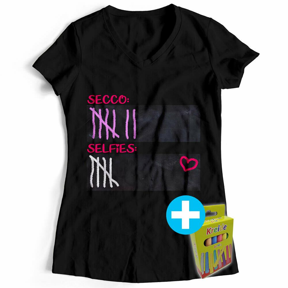T-Shirt Strichliste Secco & Selfies mit Kreide beschreibbar inkl. 12er-Pack Kreide (Damen, V-Neck, verschiedende Farben)