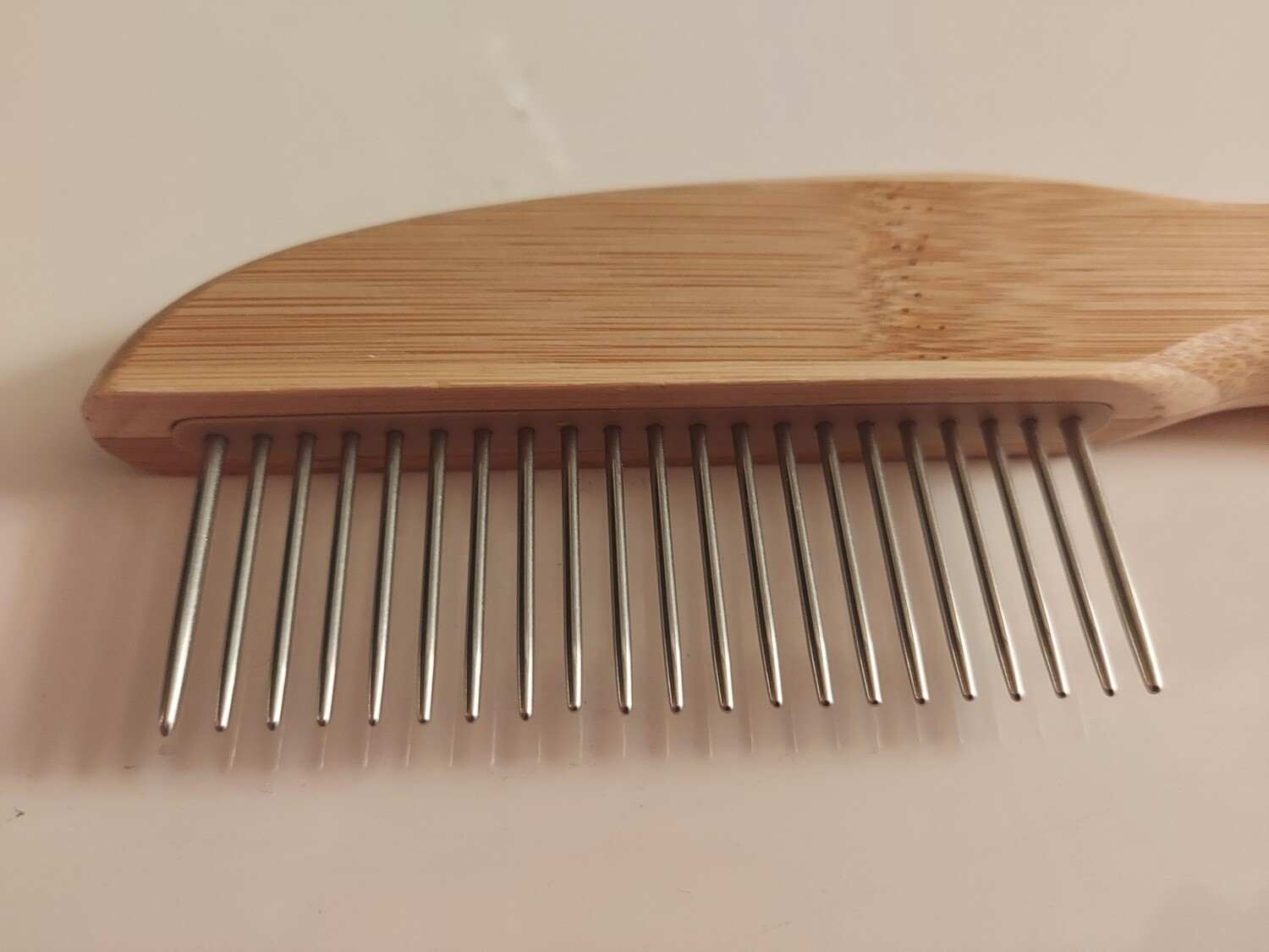 DETANGLER ''Short pins'' comb with rotating pins