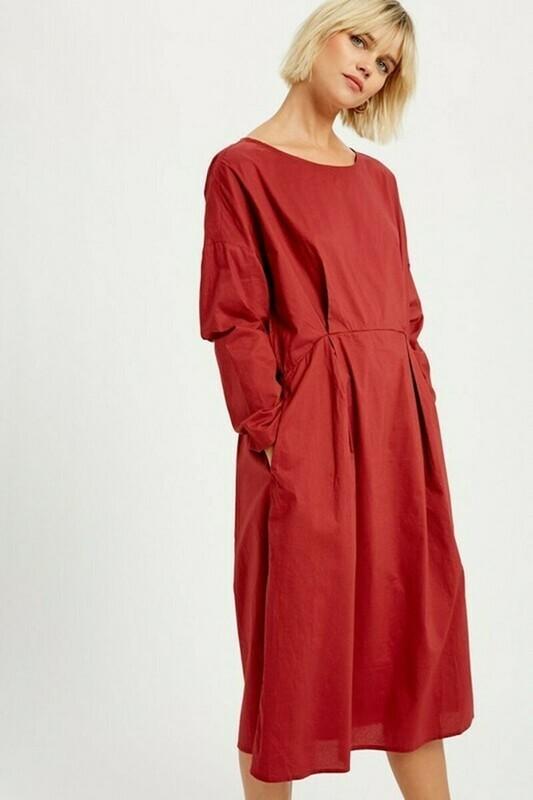 Preta Red Dress