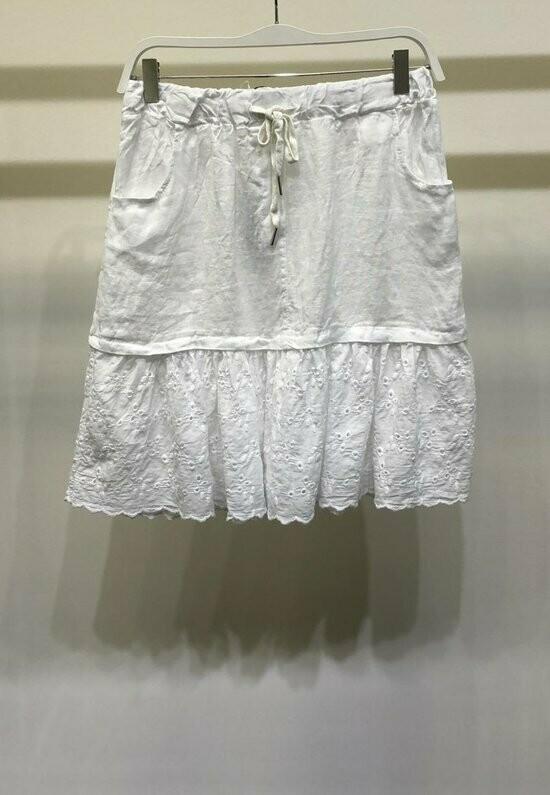 Eyelit Ruffle bottom Skirt