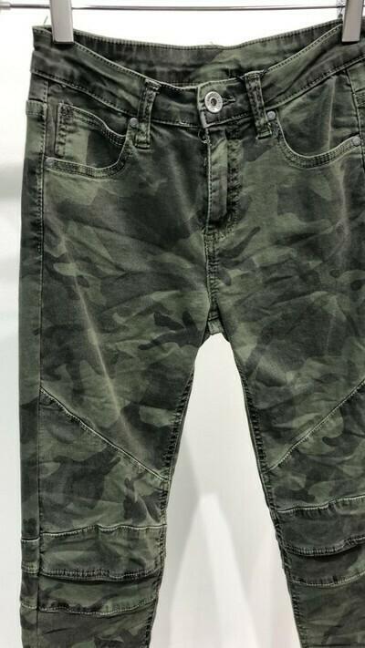 Knee Camouflage Denim Pant