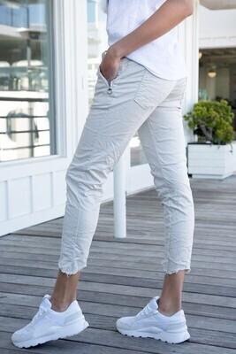 White Raw Hem Crinkle Pant