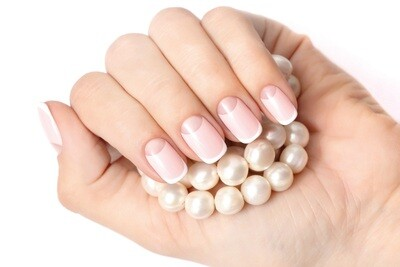 Combi-Style Strengthening & Extension on the nail forms using the gel polish