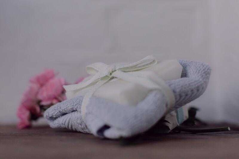 Rose Geranium and Bergamot 110g Soap with Premium Bamboo Face Cloth