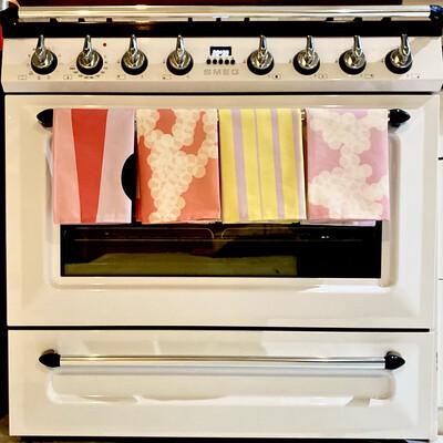 KH Print Tea Towel in Lilac/Yellow