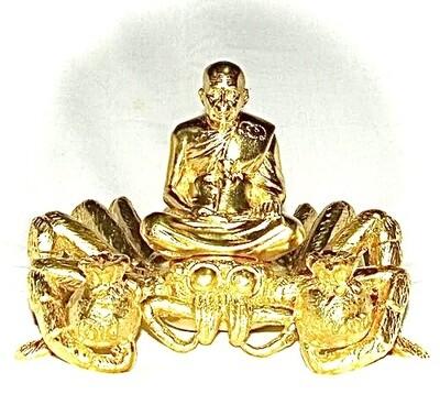 Luang Phu Supar Nang Maeng Mum Riak Sap Ongk Kroo 24 K Gold Plated Aayu Yern 118 Pi 118 years Old Edition 7 x 6 Inches - Luang Phu Supar