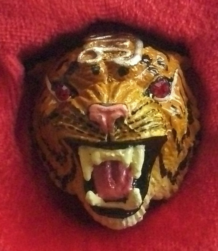 Hua Suea Maha Amnaj (Tiger head Amulet - color) - Bucha Kroo edition - Fang Takrut, Ploi and Hnang Suea - Wat Bang Pr