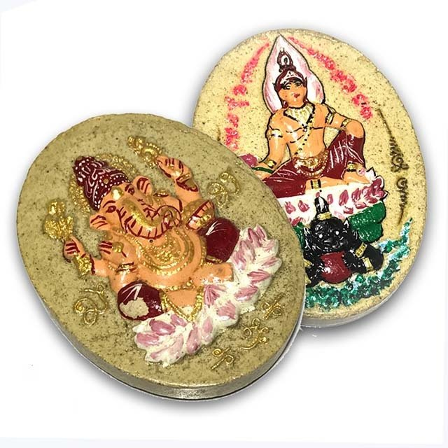 Pra Pikanes Hlang Pra Narai Pratap Rahu Wai Kroo 2551 BE Red Robed Ganesha Red Robed Vishnu - Ivory Powders - Kroo Ba Krissana