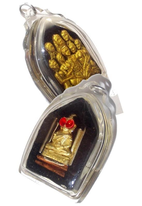 Khun Phaen Sanaeh Jet Naree Pan Hlak 'Ongk Kroo' (7 Enchanted Maidens embracing a pillar) + Pra Ngang  Ta Daeng + 6 Takrut in Prai Oil - 'Ran Sa-Or Yer Niang' edition 2555 BE - Luang Por Khern