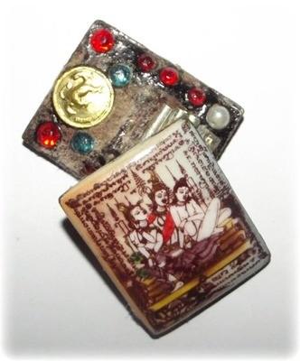 Taewada Hlong Hong Ongk Kroo (small size)  Bantian Mian Jia 2556 Edition - 2 Pearls, Paetch Payatorn, 10 Gems, 5 Takrut (3 silver, 2 python) - Luang Phu In