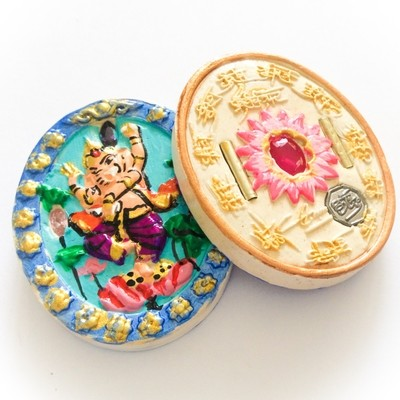 Pra Pikanes - Ganesha Elephant Deity - Turquoise Face White Powders - (1 Look Namo Plug+ 2 Silver Takrut + 4 Gems)- Sae Yid 60 Edition