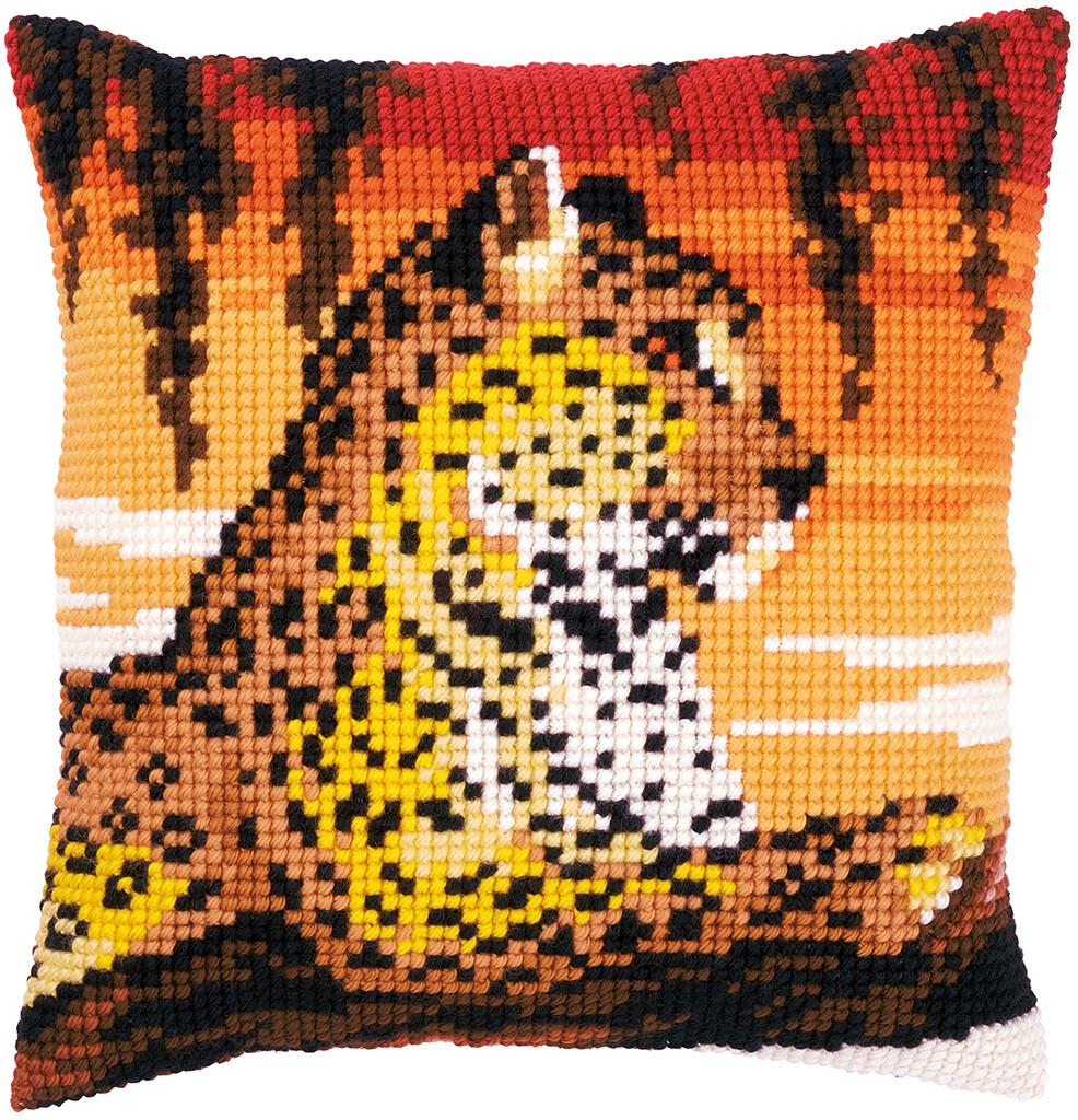 Kruissteek kussen Luipaard in avondlicht
