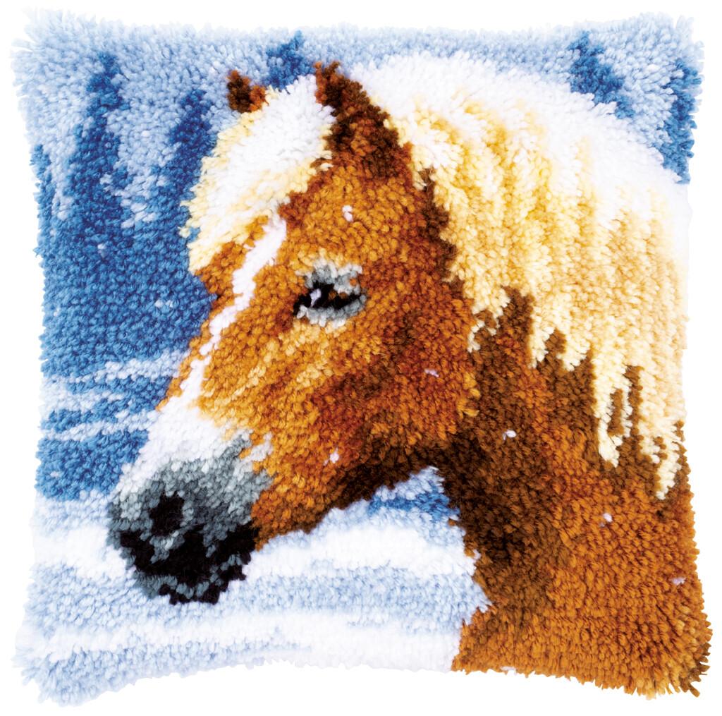 Knoopkussen Paard in de sneeuw