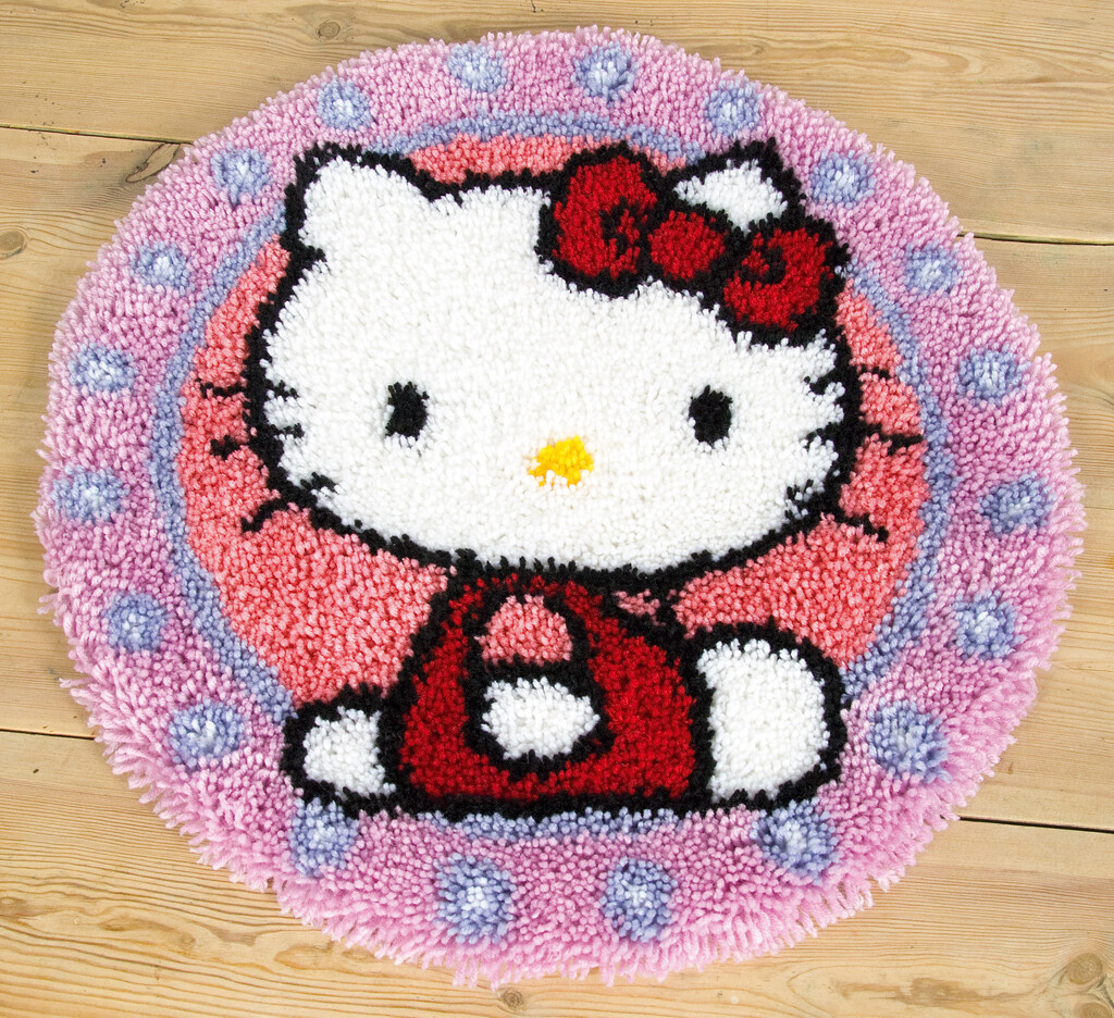 "Knooptapijtje ""Hello Kitty"""