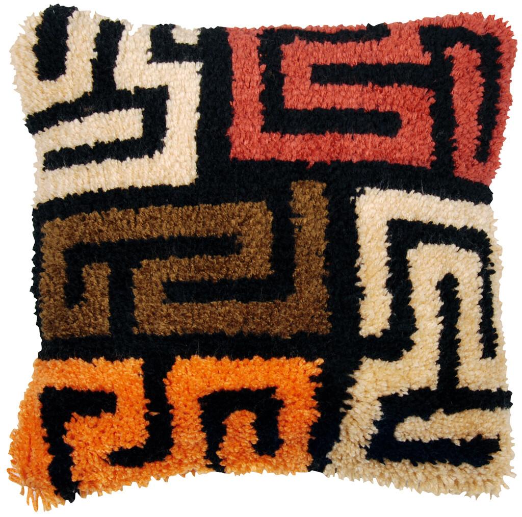 """Knoopkussen """"Kuba cloth patterns"""""""