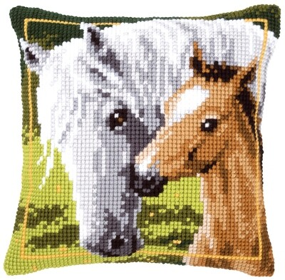 Kruissteek kussen Wit paard met veulen