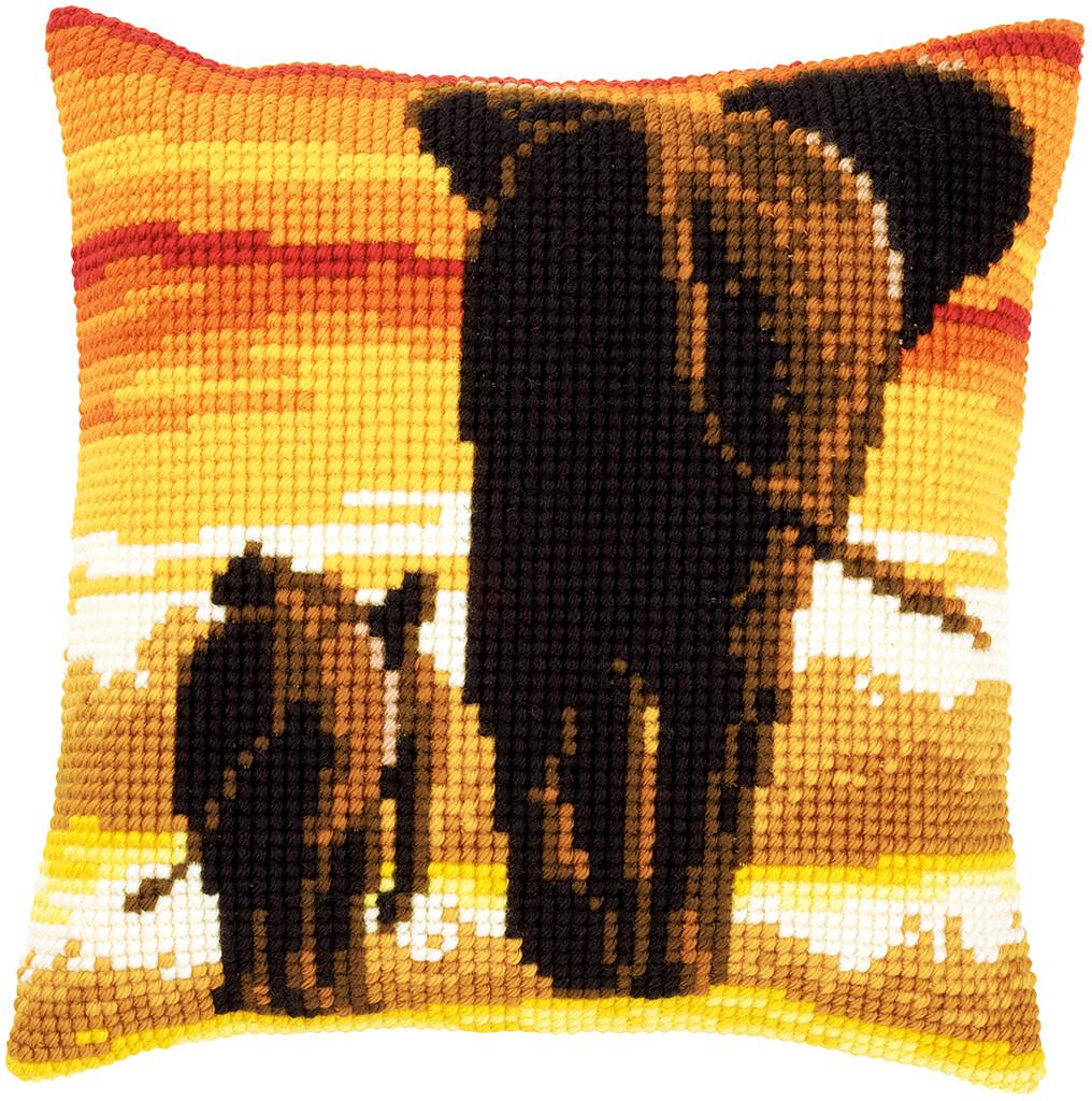Kruissteek kussen Olifanten in avondlicht