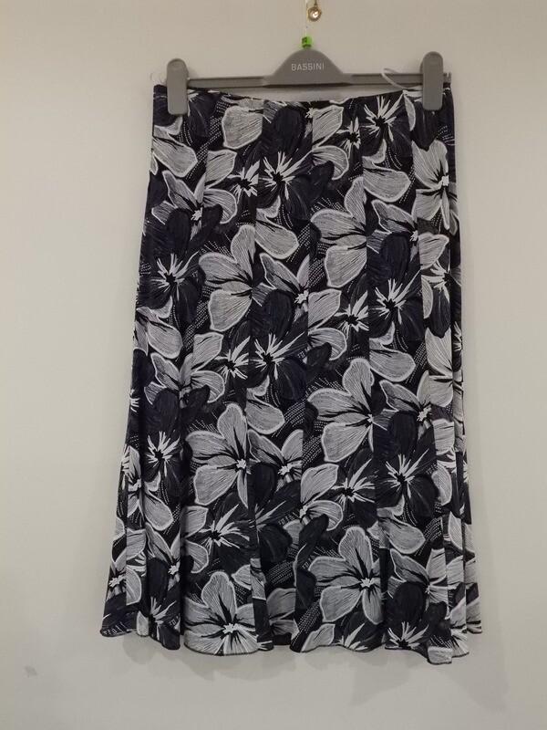 Bassini Blauwe rok met elastiek ( gevoerd )