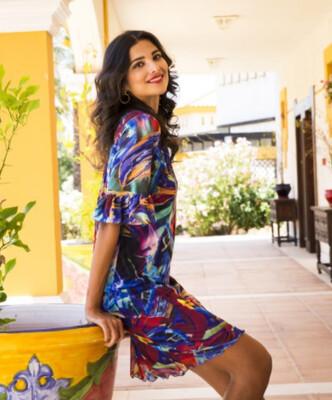Arona Kleed: Korte mouw met voile