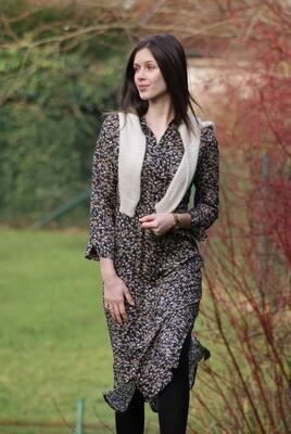 Diversa lang kleed: Lotte, kuitlengte, donkerblauwe geprint
