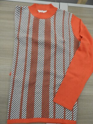 Kris Fashion Trui: Oranje gestreept, zachte warme trui