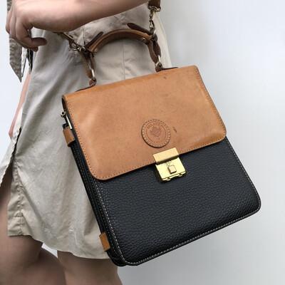 VINTAGE DELANE CANADA Leather Shoulder Bag