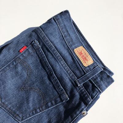 LEVIS Denim Jeans: SIZE Approx 12