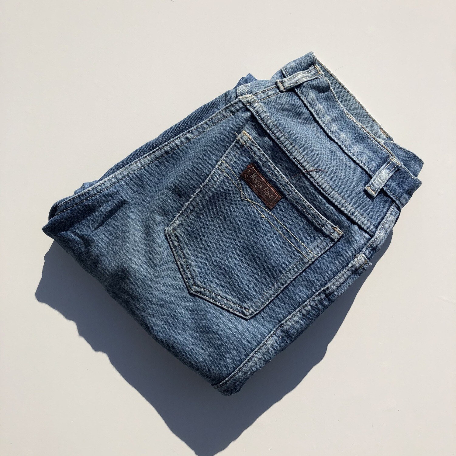 Vintage Moving Free High-Waisted Jeans