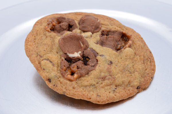 Snickers Chocolate Chip Cookie
