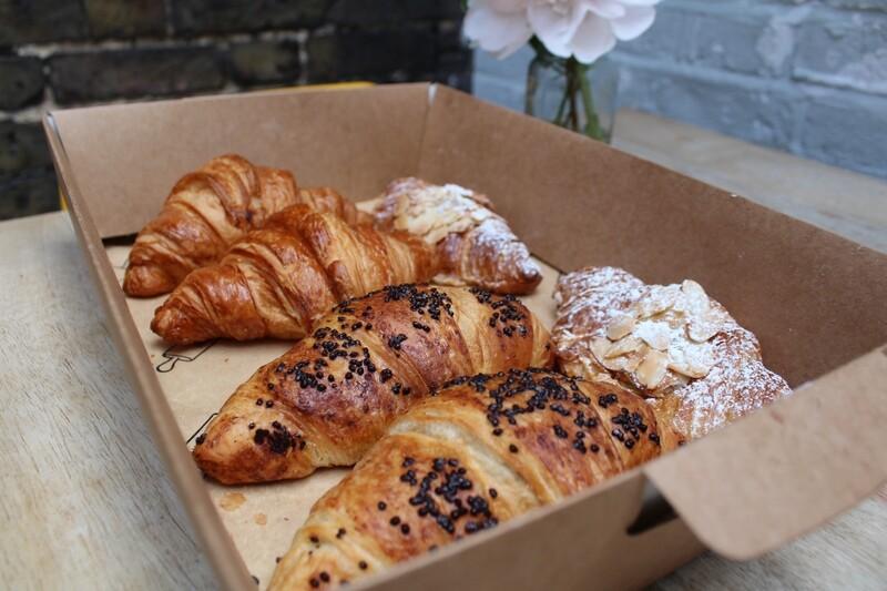 6 Croissant Mix Box