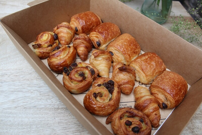 12 Mini Pastries Mix Box
