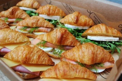 12 Mini Croissants Mix Box