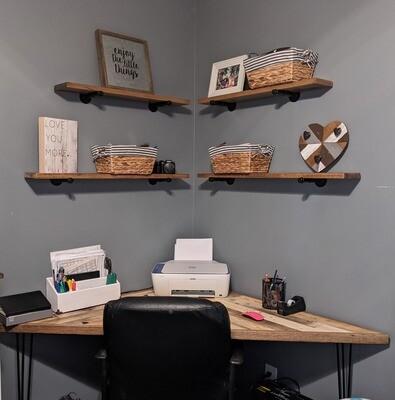 Reclaimed Pallet Corner Desk