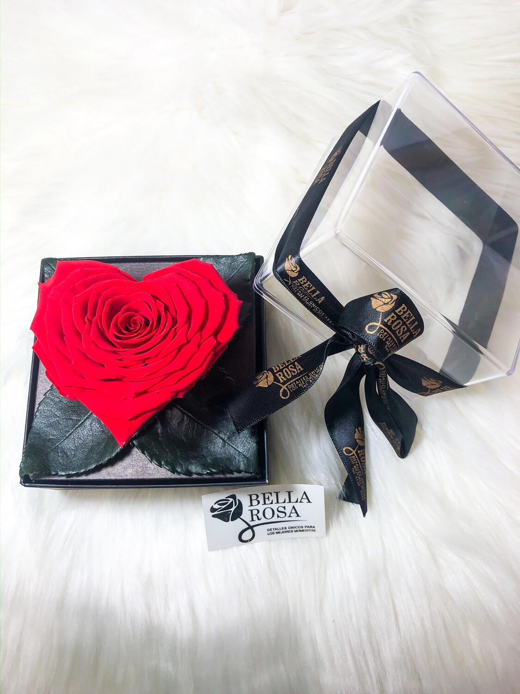 Caja acrílica con rosa en forma de corazón color rojo