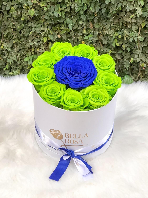 Caja redonda, blanca o negra con con 9 rosas tamaño Ll y 1 XL