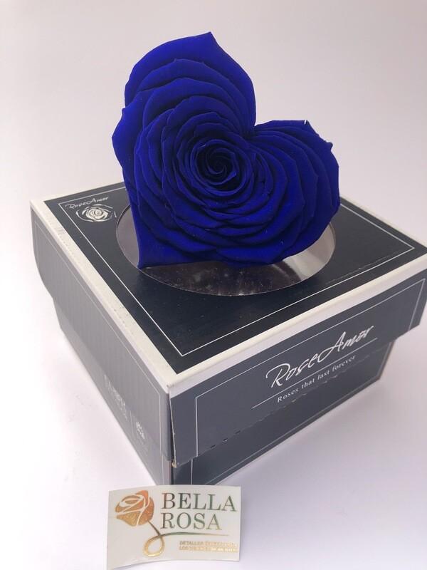 Rosa preservada en forma de corazon