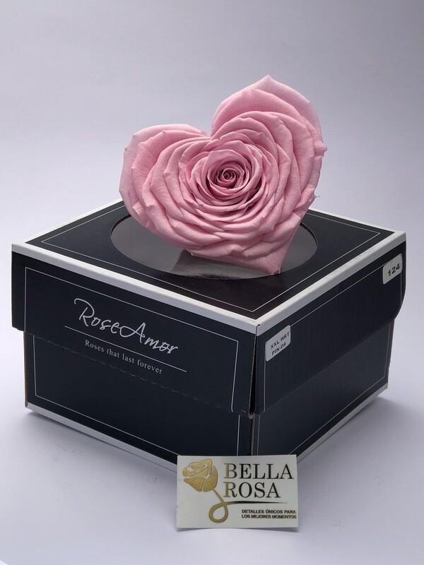 Rosa natural preservada en forma de corazon