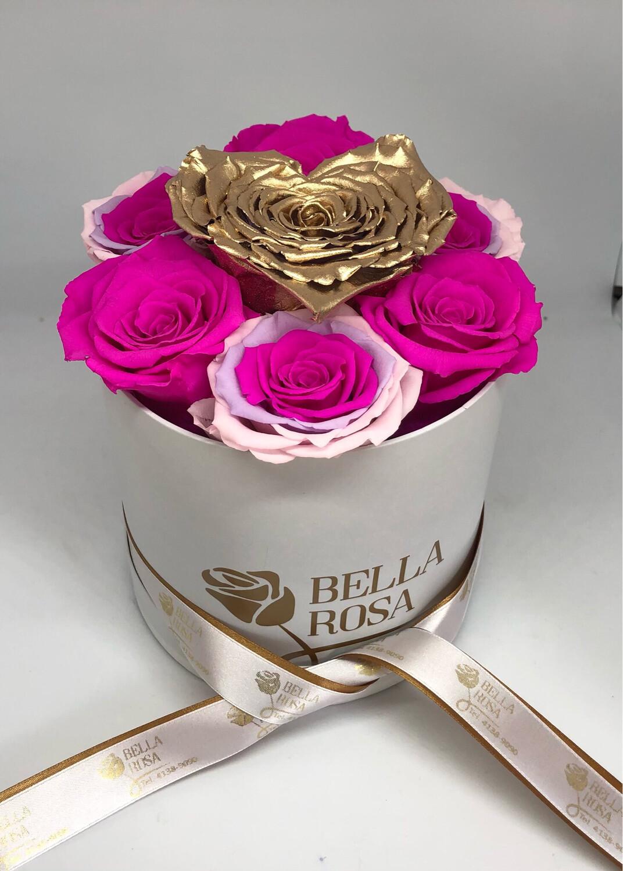 Caja redonda con 7 rosas preservadas y 1 en forma de corazón