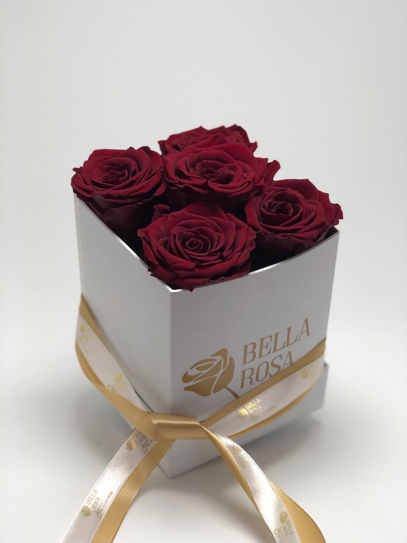 Caja cuadrada con 5 rosas